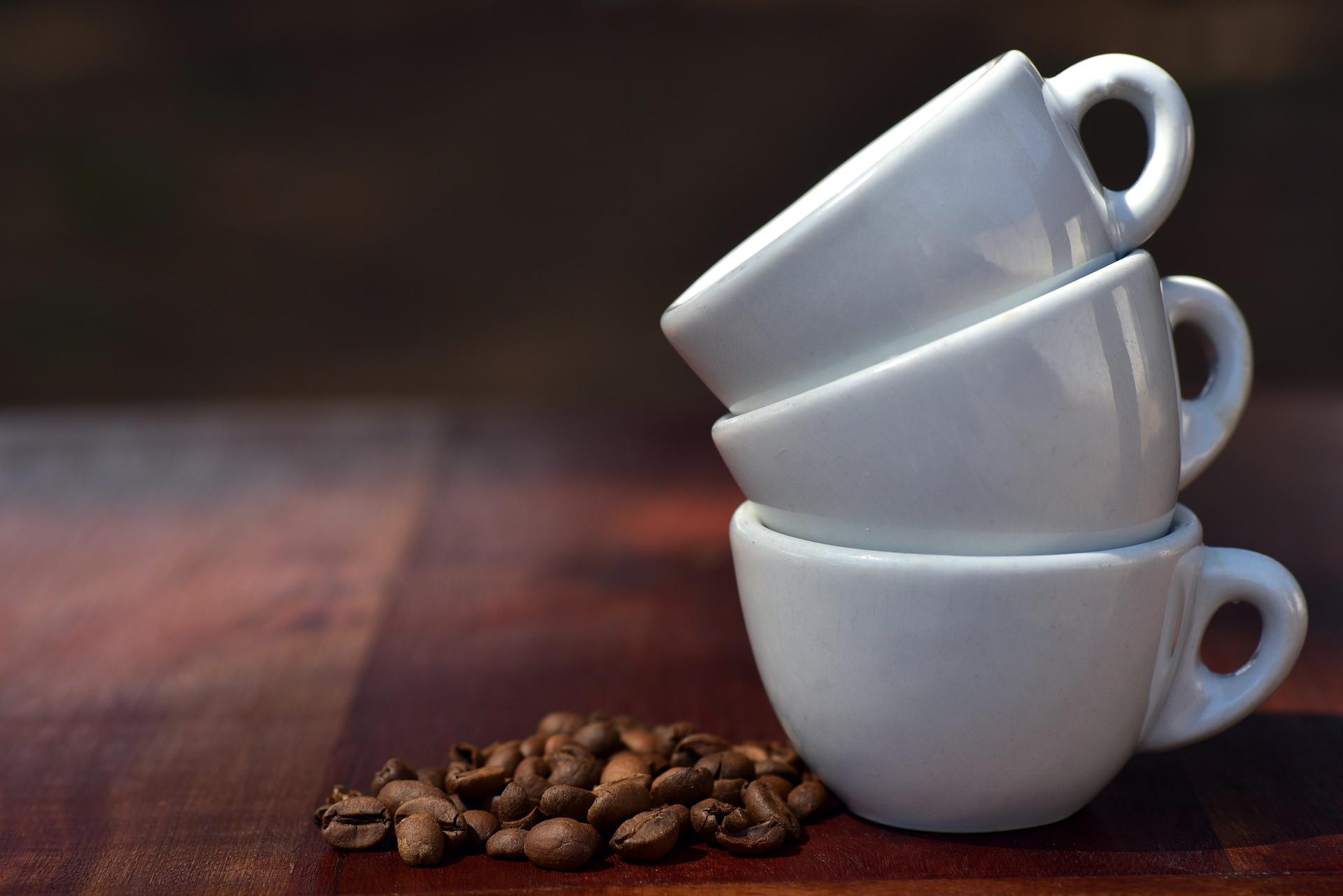 prémiová kávová směs 7 odrůd jihoamerické arabiky z Brazilie, Peru, Bolivie - jemně sladké espreso s chutí připomínající čokoládu a kakao